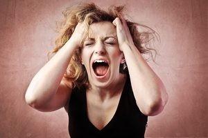 припадок у женщины из-за страха