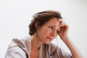 женщина подавлена и не может выйти из тяжелого душевного состояния
