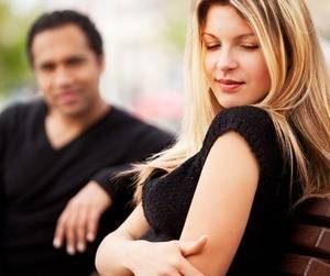 девушка боится общения с противоположным полом