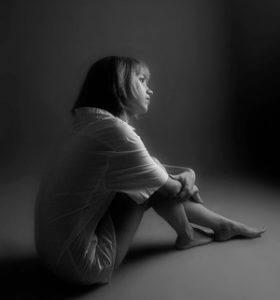 тяжелое состояние непреодолимого одиночества