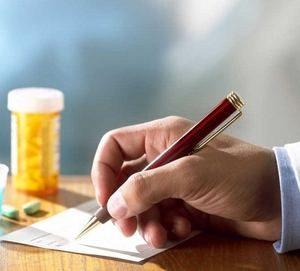врач выписывает ноотропные препараты