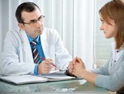 визит пациентки к квалифицированному специалисту