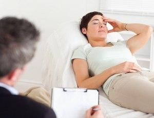 женщина у психиатра