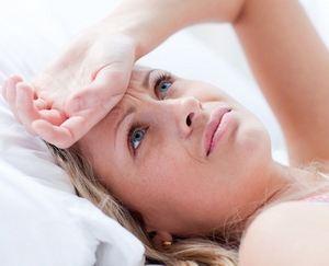 женщина находится в стрессовом состоянии