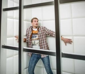 у мужчины проявляется боязнь замкнутого пространства