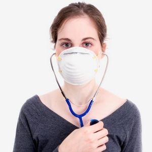 девушка беспокоиться о своем здоровье