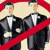нет однополой любви и бракам