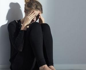 девушка в стрессовом состоянии