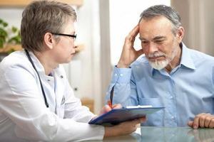 психиатр с пациентом