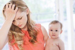 девушка с малышом