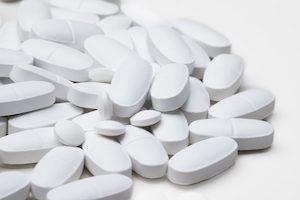 белые таблетки