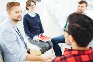 психолог с пациентами