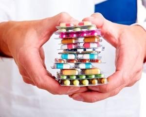 у врача медикаменты