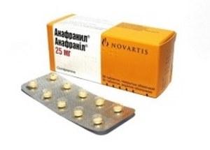 пластина с желтыми таблетками