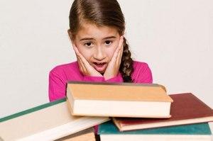 книги и девочка