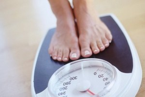 колебания массы тела