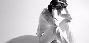женщина в стрессовом состоянии